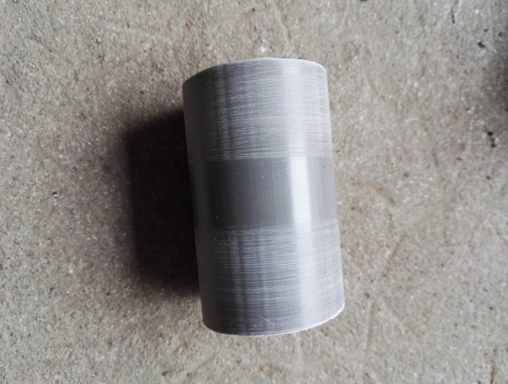 Passage des extrémités des raccords au papier abrasif